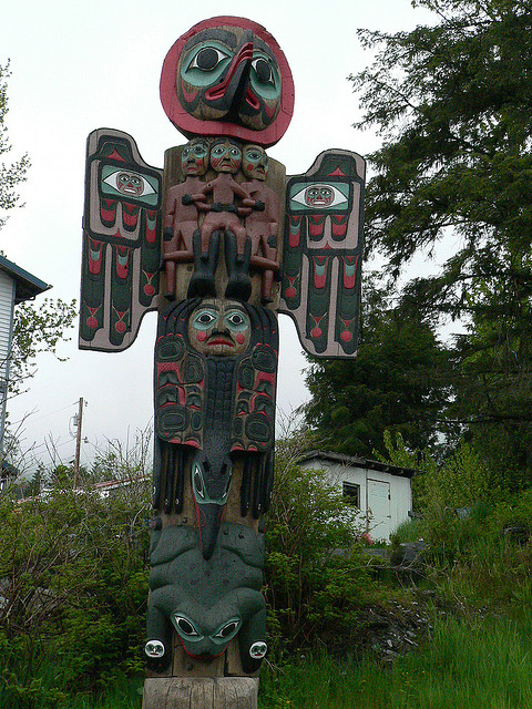 Tlingit_totemic_crow