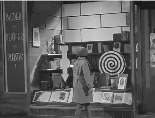 Fritz_Lang-M_shop_window2