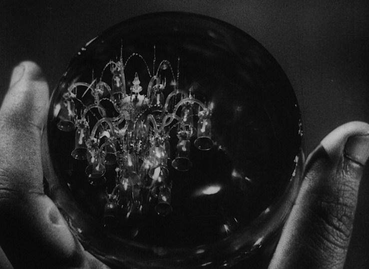 Jalsaghar-Chandelier_glass